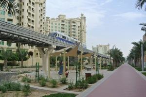 Palm Jumeirah monorail above Al Ittihad Park